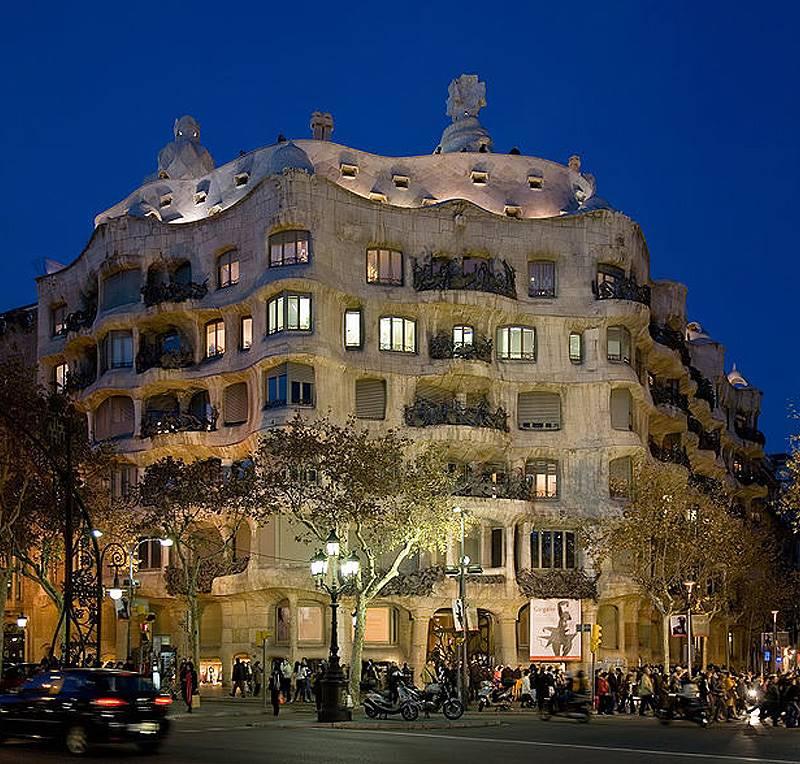 Η συμβολή των κουφωμάτων (αλουμινίου – σιδήρου – ξύλου) στην αρχιτεκτονική διάσημων κτηρίων.
