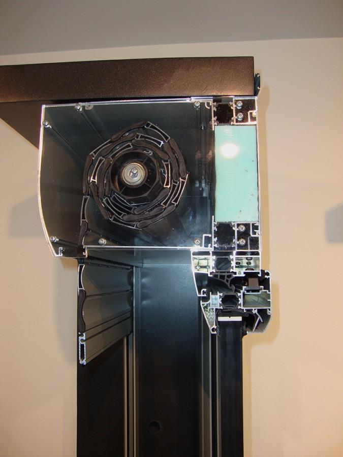 θερμοδιακοπτόμενα ρολά EUROPA 950