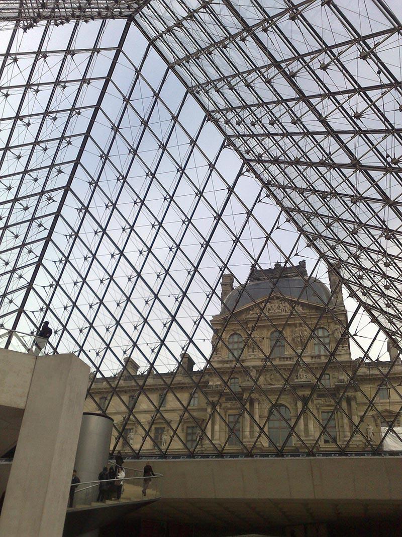 Υπέροχες πόρτες και παράθυρα στο Paris 4