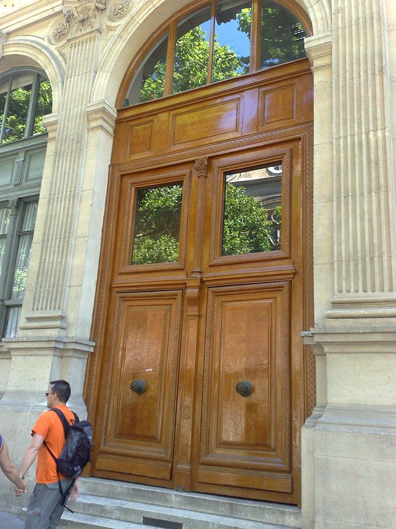 Υπέροχες πόρτες και παράθυρα στο Paris 5
