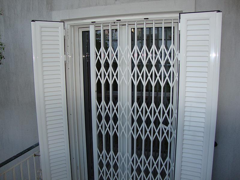 παράθυρα Ανοιγόμενα πτυσσόμενα κάγκελα