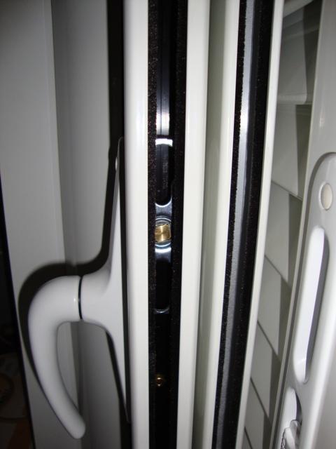 κλειδαριές κουφωμάτων αλουμινίου που δεν καταστρέφονται.Δείτε όλα τα κλειδώματα στα κουφώματα αλουμινίου από την Fenestral.