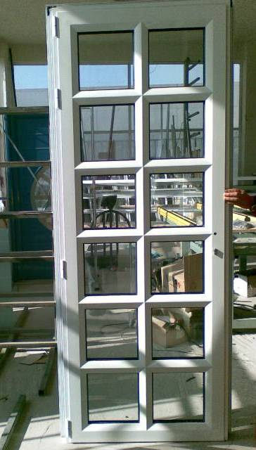Πόρτα κουζίνας σχέδιο 30,πιστοποιημένα κουφώματα αλουμινίου Europa
