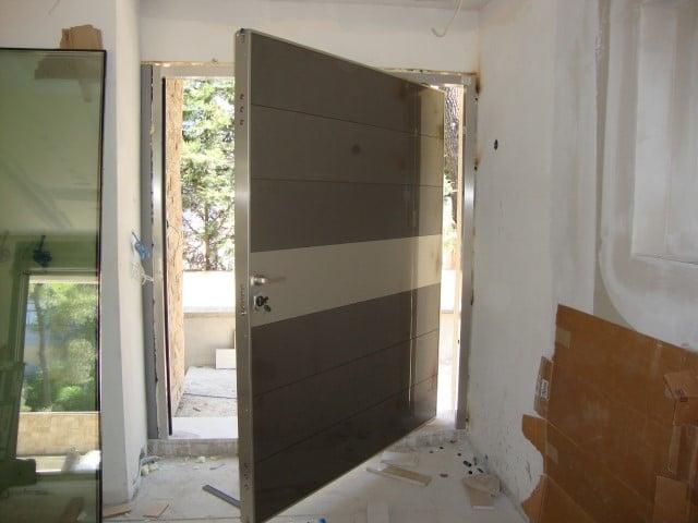 περιστρεφόμενη πόρτα