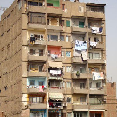 Κανονισμός πολυκατοικίας και χρώμα κουφωμάτων